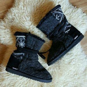 Muk Luks Faux Fur Knit Boots | Size 8
